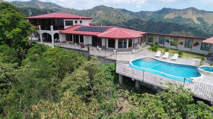 Remax real estate, Costa Rica, San Ramón, Villa de La Montana Excellent turnkey business opportunity Bed & Breakfast or apart Hotel and Spa.J