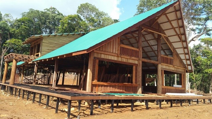 Remax real estate, Costa Rica, Cahuita, Finca in Cahuita. It has excellent waterfalls, exuberant forest, fauna and lots of peace with beautiful landscapes. Price $ 4,000,000. Negotiable J