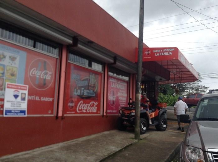 Remax real estate, Costa Rica, San Jose, Commercial (Supermarket) and house in cruce de Jaris  Naranjito de  Mora. B