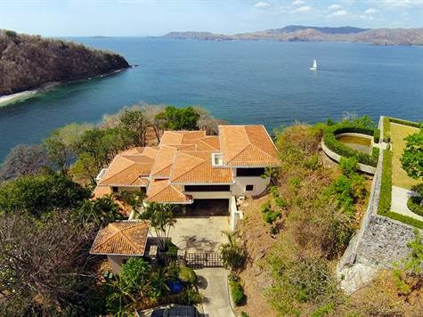 Remax real estate, Costa Rica, Flamingo, Punta Loma Norte. By far and beyond the ultimate residence in the Pacific Northwest available on the market! J