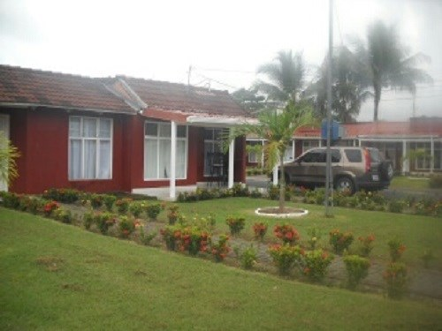 Remax real estate, Costa Rica, Jaco, BEAUTIFUL CONDO OF A PLANT IN JACO. SITUATED IN A VERY QUIET AREA, 100M FROM MAIN STREET, YOU CAN ACCESS THE BEACH. J