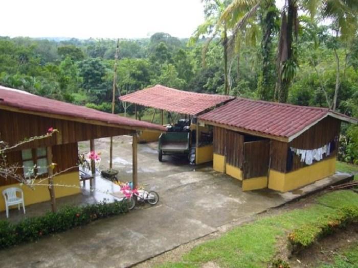 Remax real estate, Costa Rica, San Carlos - La Fortuna, Beautiful Finca that borders the Rivers Arenal and Burío in La Fortuna de San Carlos. J