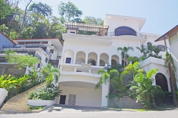 Remax real estate, Costa Rica, Punta Leona, Spectacular Beach House in Punta Leona, Puntarenas. J