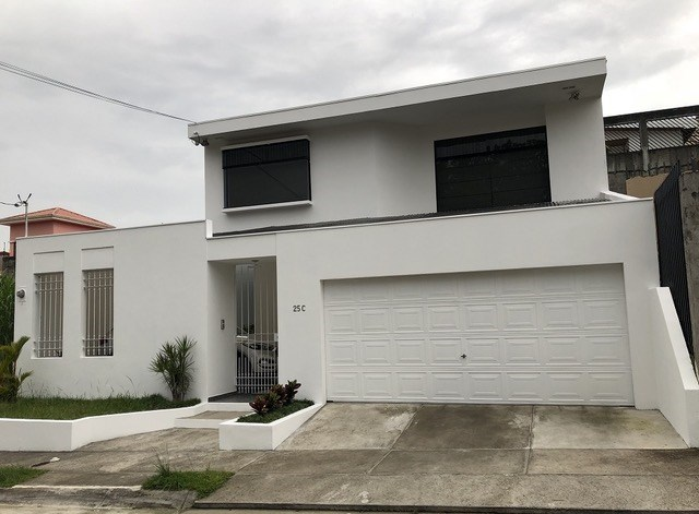 Remax real estate, Costa Rica, Curridabat - Sánchez - Barrio Lomas de Ayarco, $ 300,000 HOUSE FOR SALE PRICE REDUCED TO $ 280,000 cash!! O