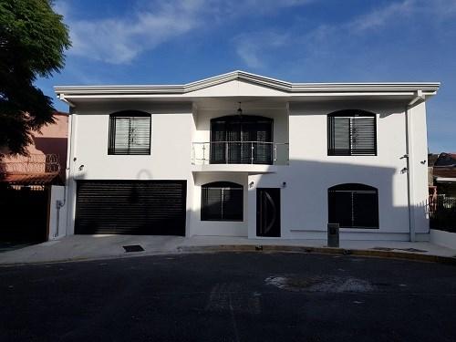 Remax real estate, Costa Rica, San José - Catedral - Barrio González Víquez, Se vende, hermosa casa en la ciudad de San Jose. J