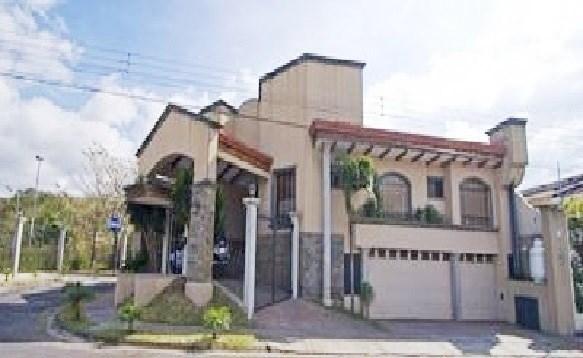 Remax real estate, Costa Rica, Escazú, Beautiful one story house with ample land in Guachipelin de Escazu. J