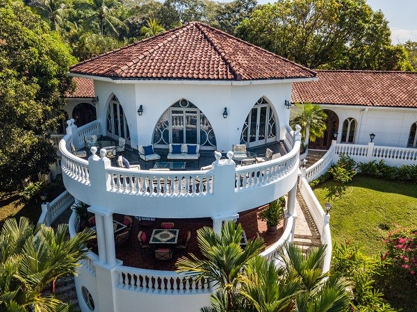 Remax real estate, Costa Rica, Herradura, Five Star Boutique hotel or private mansion for sale in Puntarenas. J