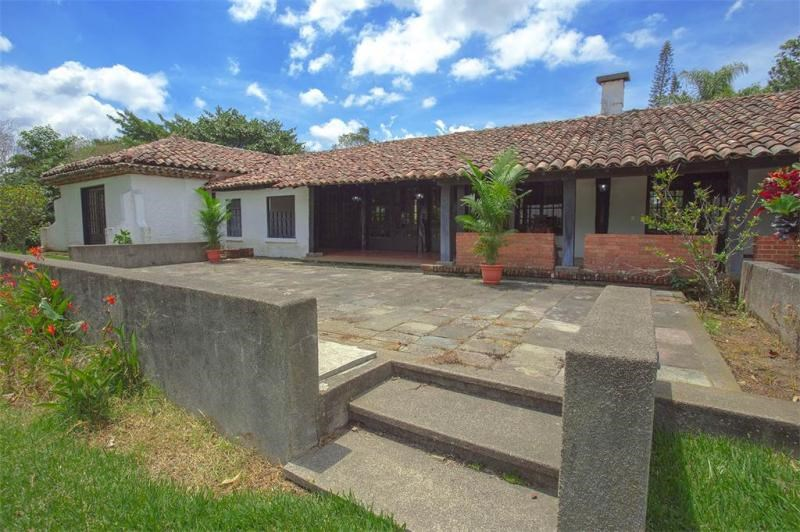 Remax real estate, Costa Rica, Santo Domingo de Heredia, Beautiful Colonial Style Hacienda in Los Angeles of Santo Domingo de Heredia. J