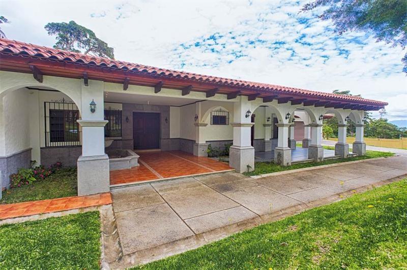 Remax real estate, Costa Rica, San Rafael de Heredia, Beautiful Colonial Style House in El Castillo Residential in San Rafael de Heredia.