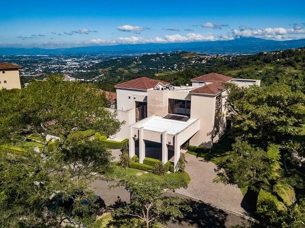 Remax real estate, Costa Rica, Santa Ana, VILLA ATRIA – MODERN MANSION WITH SPECTACULAR VIEWS. J
