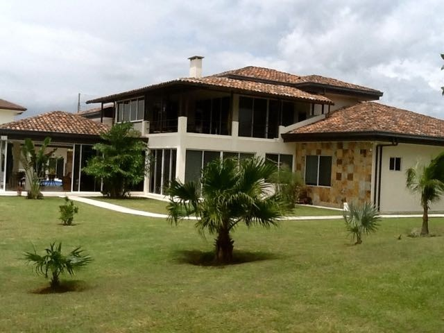 Remax real estate, Costa Rica, Alajuela - La Guácima, Luxury House with Pool for Sale in Alajuela La Guacima. J