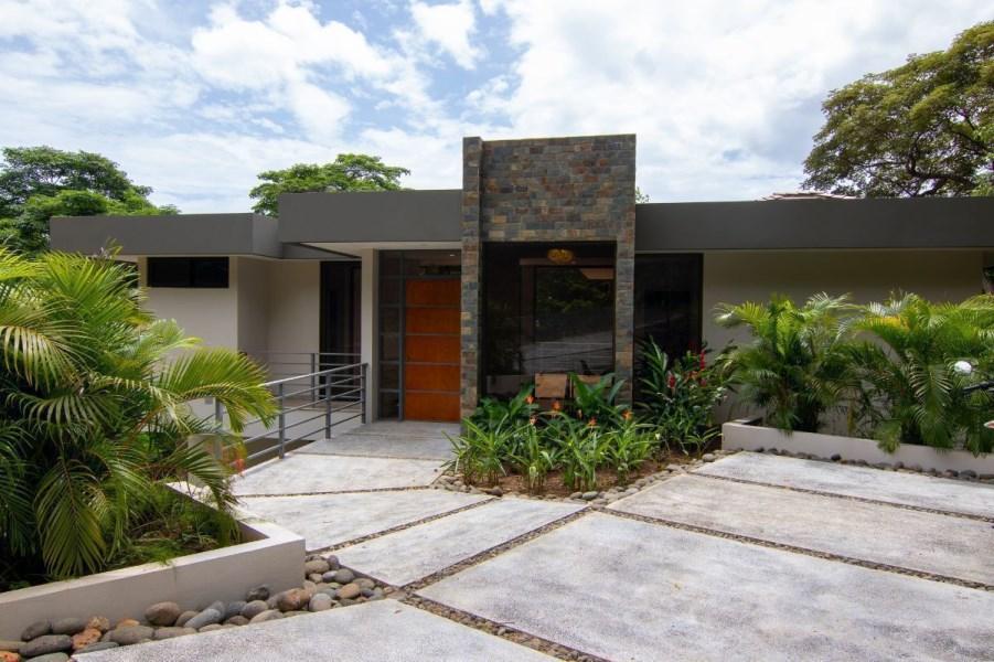 Remax real estate, Costa Rica, Playa del Coco, Jungle Haus Pacifico Lot #29. J