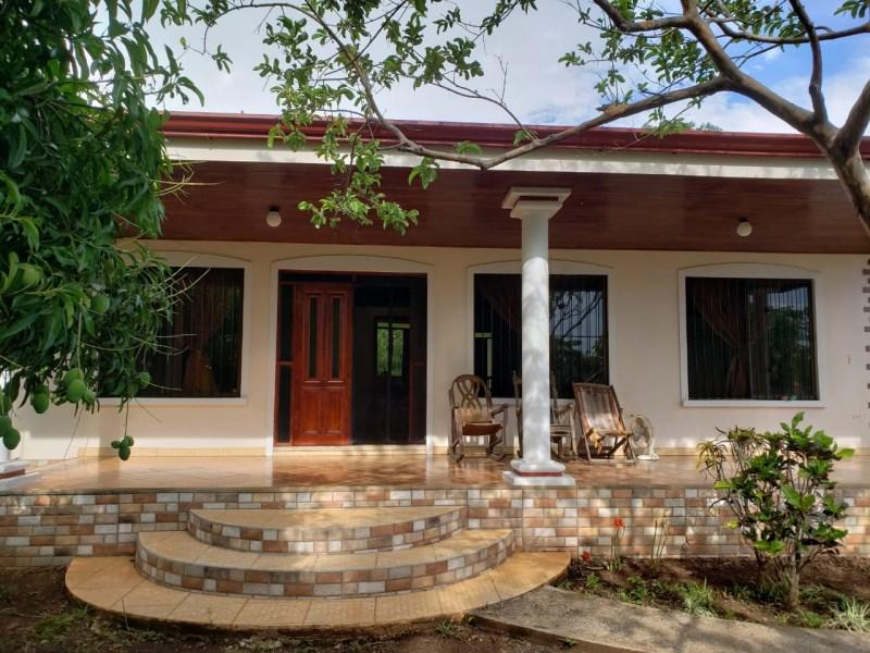 Remax real estate, Costa Rica, Boca de Barranca, Spacious house in Residencial Barramar, San Miguel de Puntarenas.