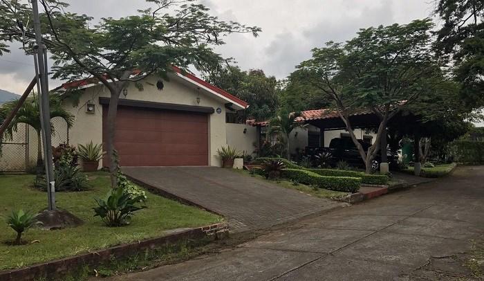 Remax real estate, Costa Rica, Escazú, SUPER OPPORTUNITY ... LOWERED $ 525,000 ... LEAVE LAURELES HOME. In San Rafael de Escazú J
