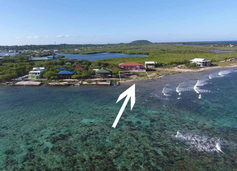 Remax real estate, Honduras, Utila, Rare Homesite 3sides on ocean114 ft Oceanfront Super Locale