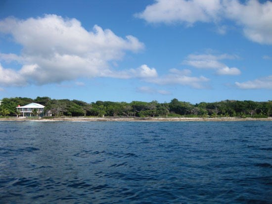 Remax real estate, Honduras, Utila,  Big Rock  South Shore0.52 Acre Beachfront