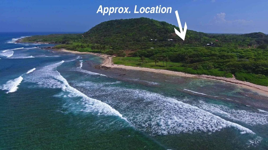 Remax real estate, Honduras, Utila, 30 sec walk from the beachHead for the Hill 0.26 acre