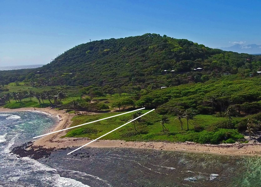 Remax real estate, Honduras, Utila, Majestic hill & oceanfront Pumpkin Hill and Beachfront, Lot C
