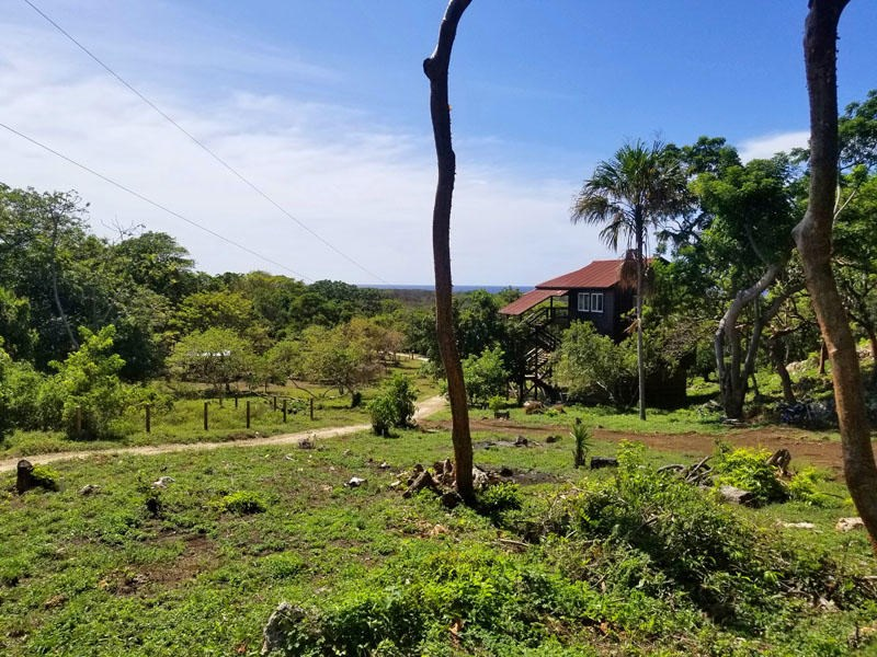 Remax real estate, Honduras, Utila, 0.13 acres on Pumpkin HillThe Perfect Pumpkin Plot