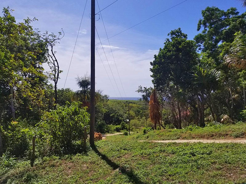 Remax real estate, Honduras, Utila, 0.13 acres on Pumpkin HillYour Slice of the Pumpkin Pie