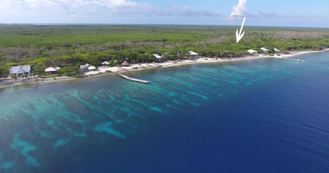 Remax real estate, Honduras, Roatan, Big Rock South Shore0.31 Acre Beachfront Lot