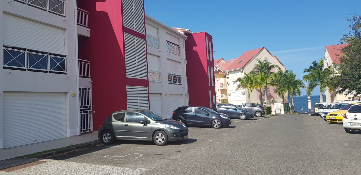 RE/MAX real estate, Guadeloupe, Petit-Bourg, Studio secteur prisé