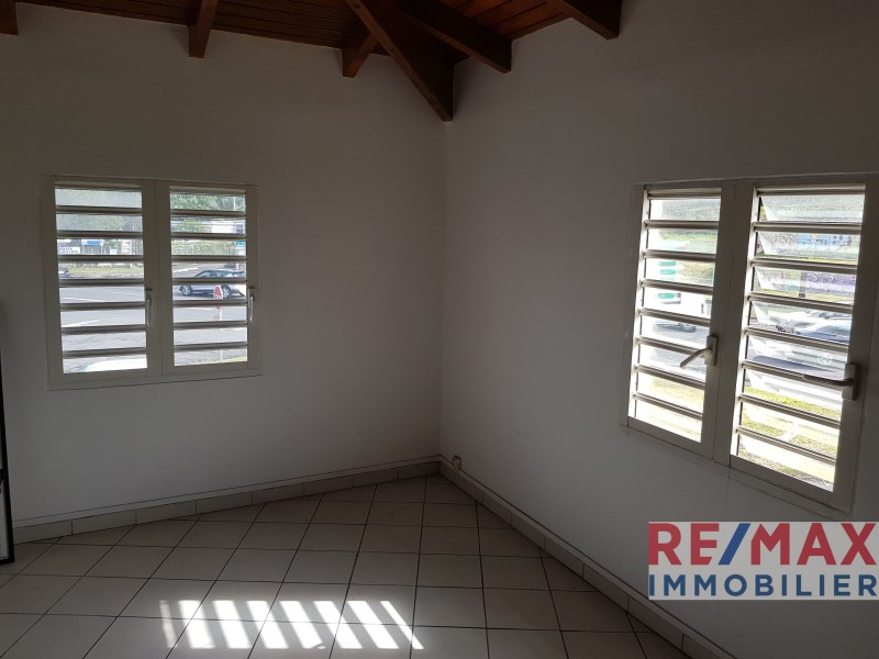 RE/MAX real estate, Guadeloupe, Le Gosier, Local professionnel 17 m² secteur prisé Le Gosier