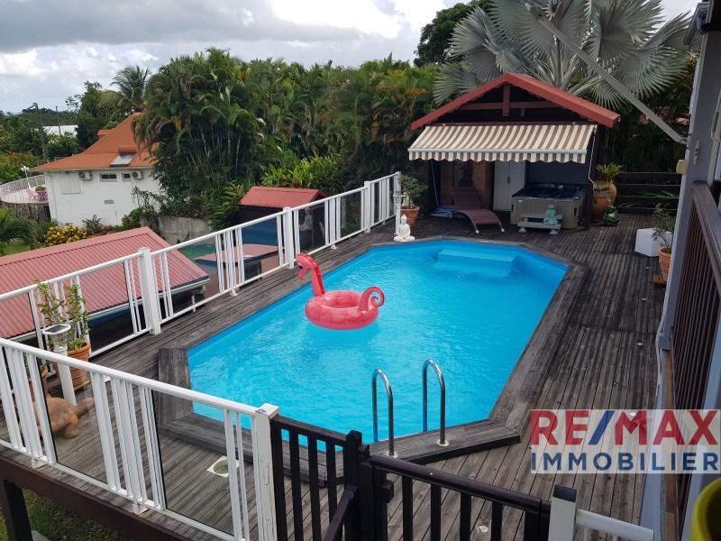RE/MAX real estate, Guadeloupe, Petit-Bourg, Superbe villa dans lotissement de standing
