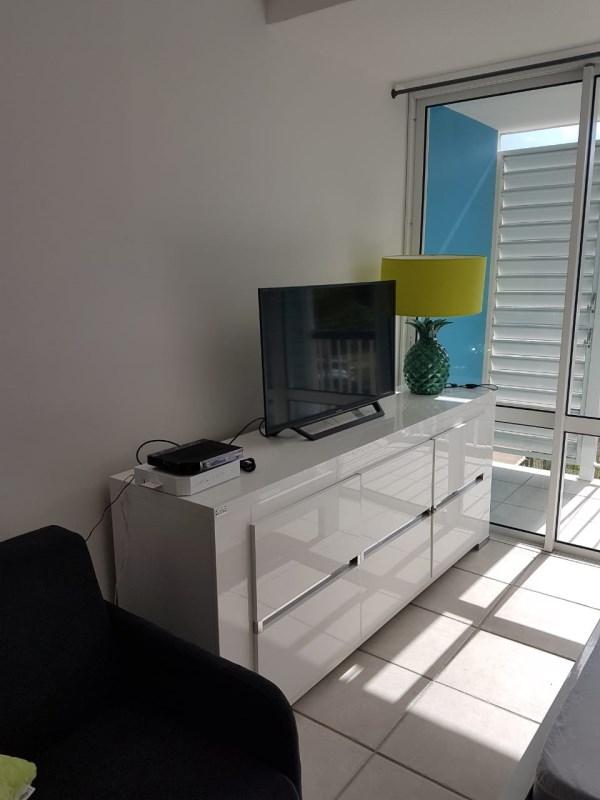 RE/MAX real estate, Guadeloupe, Le Gosier, Studio de standing - Vue mer - Accès plage