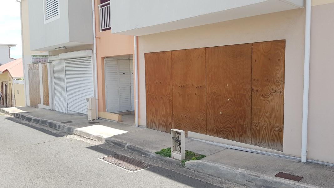 RE/MAX real estate, Guadeloupe, Le Moule, Locaux commerciaux - Le Moule