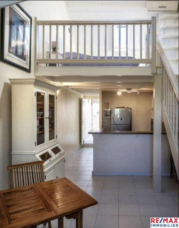 RE/MAX real estate, Guadeloupe, Le Gosier, Appartement en duplex meublé idéalement situé au Gosier
