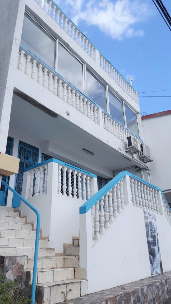 RE/MAX real estate, Guadeloupe, Le Gosier, Charmant T3 meublé avec vue mer à Gosier