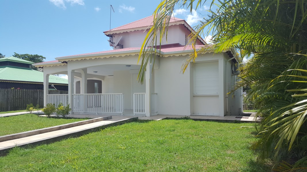 RE/MAX real estate, Guadeloupe, Les Abymes, Charmante Villa T4 105m² aux Abymes