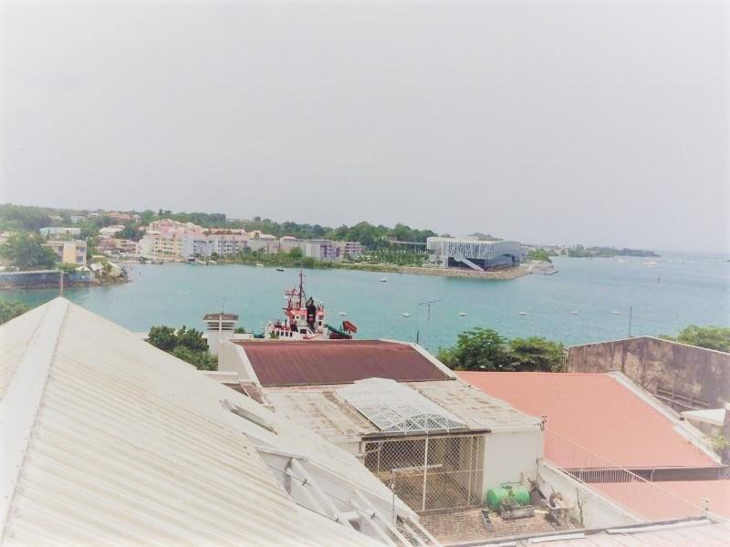 RE/MAX real estate, Guadeloupe, Pointe-à-Pitre, T2 a vendre dans résidence sécurisée Pointe à Pitre