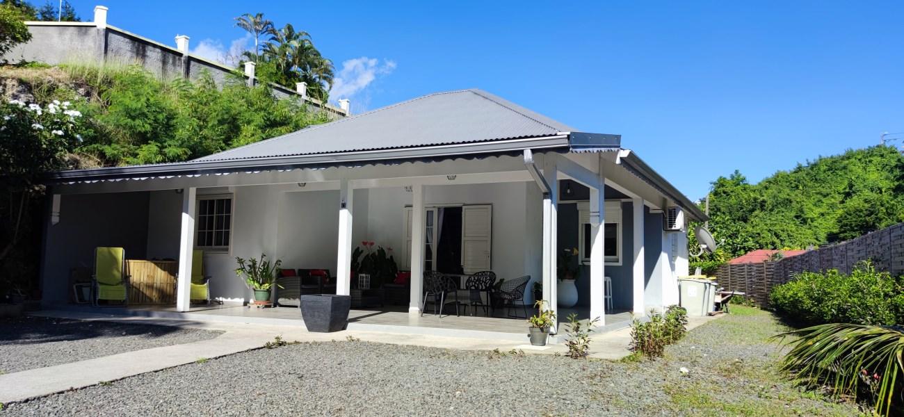 RE/MAX real estate, Guadeloupe, Le Gosier, Magnifique Villa T4 meublée 89m² à louer à  Gosier
