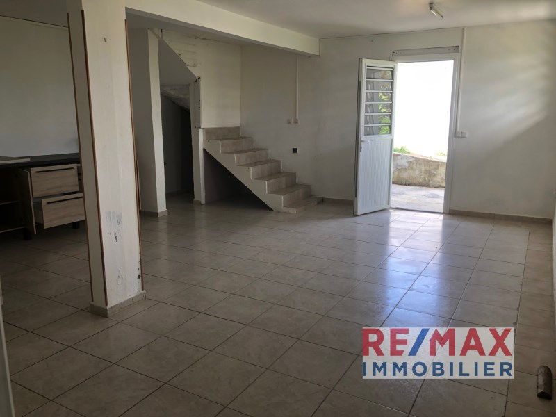 RE/MAX real estate, Guadeloupe, Capesterre-Belle-Eau, Appartment T2 vue dégagée