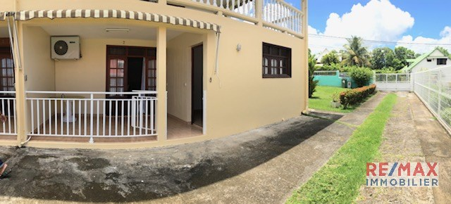 RE/MAX real estate, Guadeloupe, Saint-Claude, Appartement T2 vue mer meublé en bas de villa