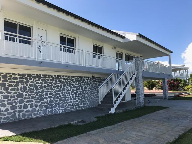 RE/MAX real estate, Guadeloupe, Ausset, LOCATION Charmante Villa de type T4 des années 80 entièrement rénovée- Petit- Bourg GUADELOUPE