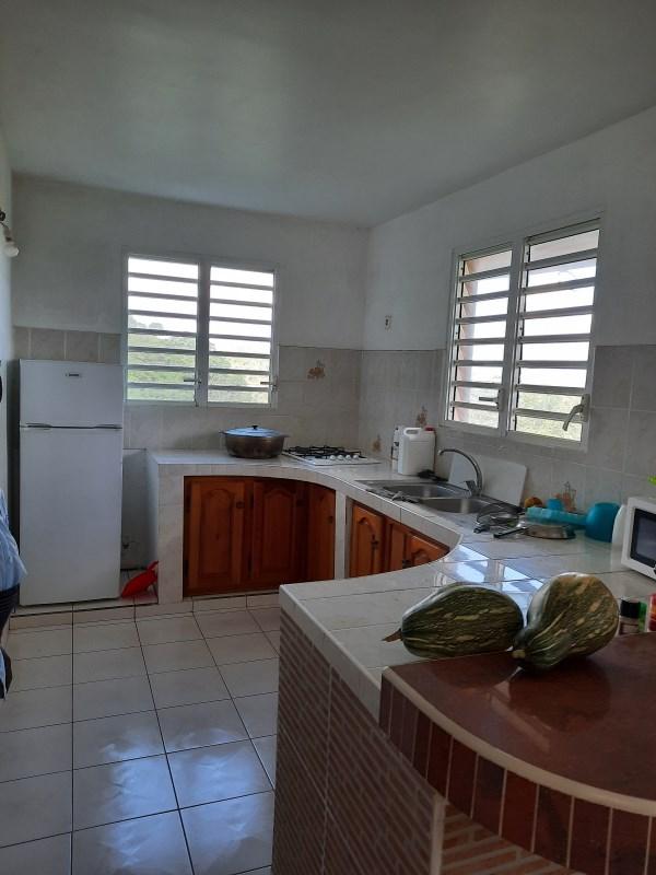 RE/MAX real estate, Guadeloupe, Baie Mahault, Bas de Villa 100 m2 à Sainte- Anne, à 8 min des plages populaires de Guadeloupe