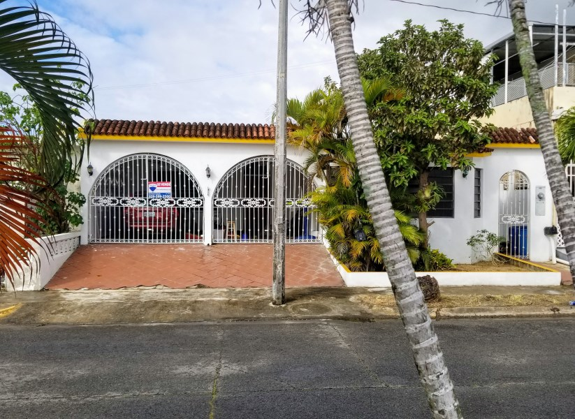 RE/MAX real estate, Puerto Rico, URB Los Angeles, Excellent price and location for the family