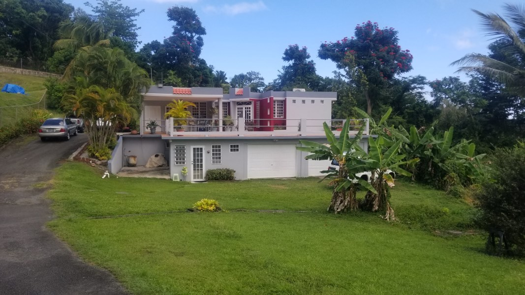 RE/MAX real estate, Puerto Rico, Luquillo, Between the beach and El Yunque, 4 bedrooms and 3 bathrooms