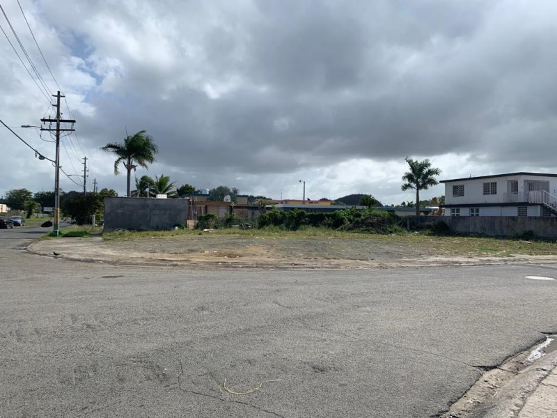 RE/MAX real estate, Puerto Rico, Levittown, High Traffic Corner Lot