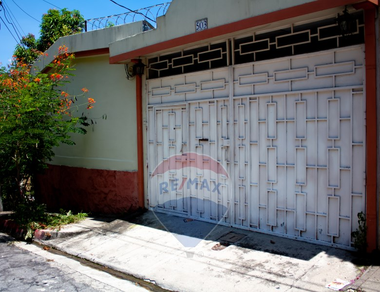 Remax real estate, El Salvador, San Salvador, Nice house for sale, one level in San Jacinto, San Salvador