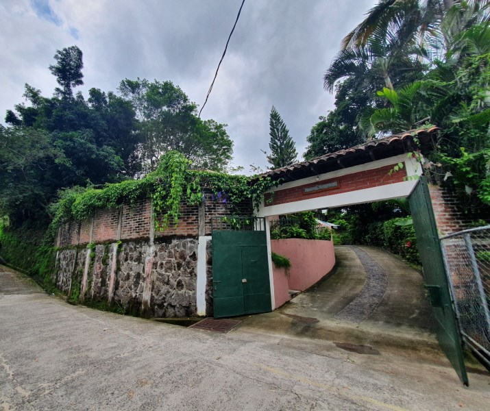 Remax real estate, El Salvador, Panchimalco, Investment opportunity Quinta de Campo-Hostal Boutique San Salvador