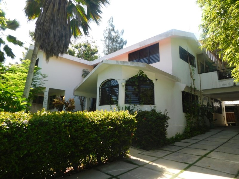 RE/MAX real estate, Haiti, Port-au-Prince - Deimas, Great House for Sale in Delmas, Catalpa