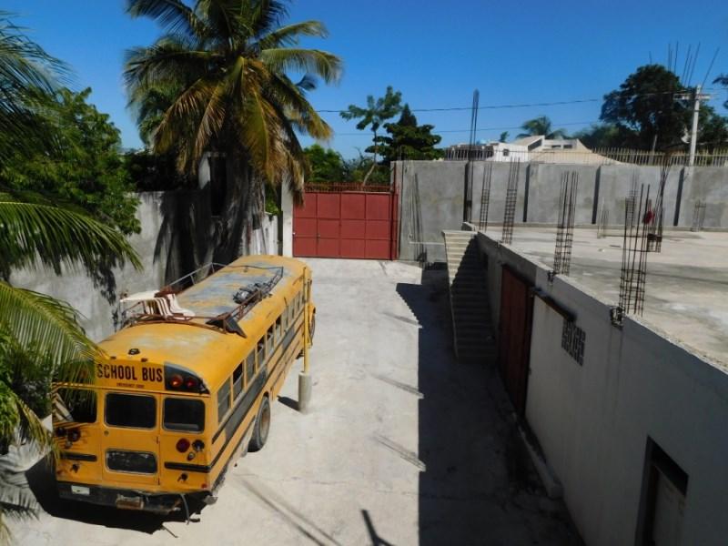 RE/MAX real estate, Haiti, Port-au-Prince - Deimas, Great & Huge Business Space for Sale in Delmas, Siloe