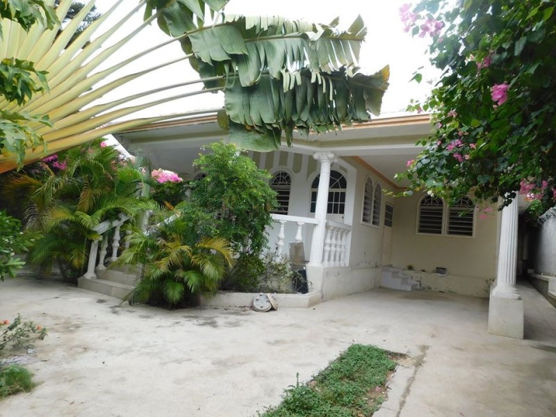 RE/MAX real estate, Haiti, Port-au-Prince - Tabarre, Low unfurnished house for rent in TABARRE