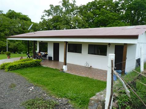 Remax real estate, Costa Rica, Atenas, Ranch-style home at an affordable price in Atenas countryside