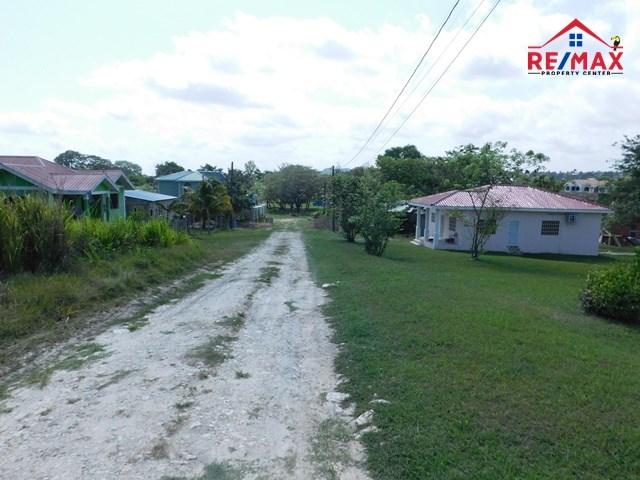 RE/MAX real estate, Belize, San Ignacio, #2023 – A VERY LARGE RESIDENTIAL LOT IN SAN IGNACIO