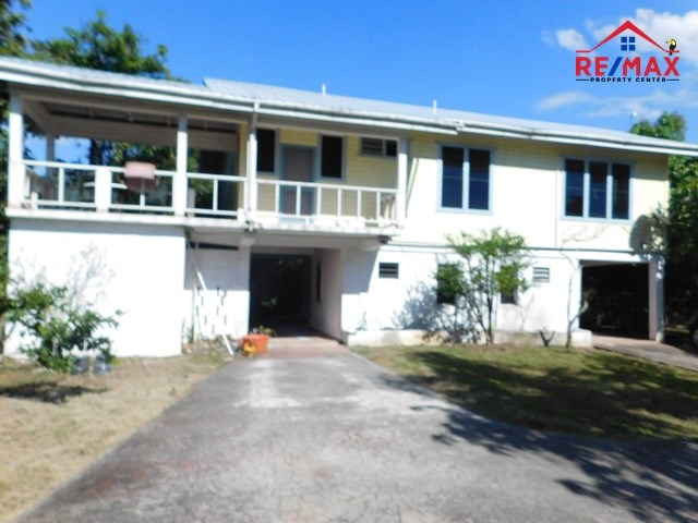 RE/MAX real estate, Belize, Unitedville, #2039 - HOUSE + POOL + TWO RENTAL APARTMENTS IN THE CAYO DISTRICT OF BELIZE.